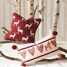 Decorative Christmas Pillows Throws by 27 Stylish Diy Christmas Pillows To Brighten Your Home