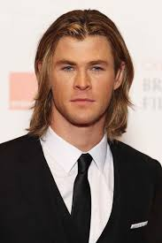 chris hemsworth hairstyles see the 8 celebrity men with long hair you need to copy this year