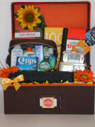 travel gift basket itsa baskets we are a gift basket company that stands out