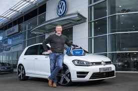 volkswagen group australia 500 000th customer takes delivery