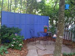 Backyard Wooden Fence Decorating Ideas