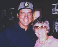 Johnny Bench Wife Dutchie Caray And Johnny Bench Harry Caray U0027s Restaurant Group
