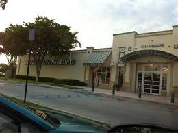 Barnes And Noble Pembroke Pines Barnes U0026 Noble Booksellers Closed 23 Reviews Newspapers