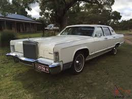 lincoln continental town car in vic