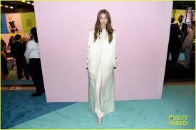 I Love Gigi Baby Clothing Gigi U0026 Bella Hadid Join Bff Hailey Baldwin At Cfda Awards Photo