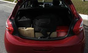 Common Quarentena » Peugeot 208 faz viagem final entre SP-MG » Arquivo @QX22