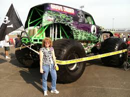 pics of grave digger monster truck monster jam in lake erie speedway in pa u2013 part 1 realistic
