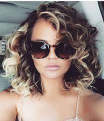 which hair style is suitable for curly hair medium height you need to see chrissy teigen with uber curly hair curly