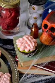 Halloween Decorations For Cakes by 34 Cute Halloween Cupcakes Easy Recipes For Halloween Cupcake Ideas
