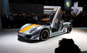 new porsche electric porsche 918 reviews porsche 918 price photos and specs car