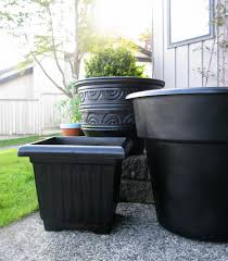 diy urn potters orb spray paint on plastic planters home area