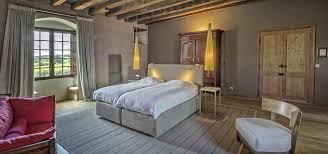 chambre au chateau où dormir château de lerse chambres d hôtes 16250 pérignac charente