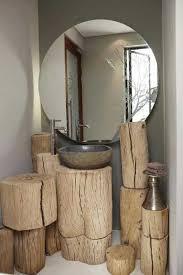 meuble de salle de bain original rondins de bois branches troncs d arbre en déco salle de bain
