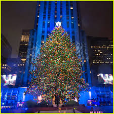 live rockefeller tree lighting christmas in rockefeller center photos news and videos just jared