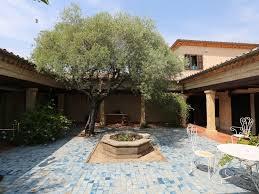 jardin paysager avec piscine spacieuse villa romaine avec patio jardin paysager et belle