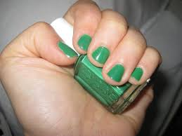 isabellebasi essie pretty edgy nail polish
