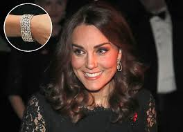 kate middleton diamond earrings kate middleton wears borrowed bracelet from elizabeth