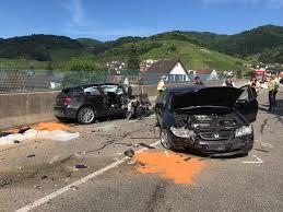 Polizeibericht Baden Baden Achern Oberkirch Strecke Gesperrt Zwei Verletzte Nach