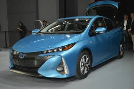 cars toyota 2017 2017 toyota prius prime plug in hybrid preview