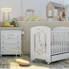 chambre pour bebe chambre pour bébé lit bébé et commode design ou commode à langer