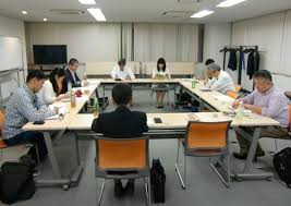 table d ノveil avec si鑒e npo法人日本サーバント リーダーシップ協会