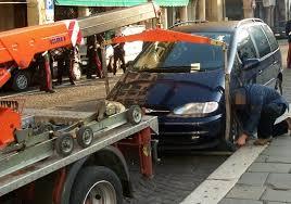 il carrozziere truffe alle assicurazioni condannate il carrozziere cronaca