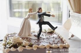 camo wedding cake toppers wedding cake toppers and groom