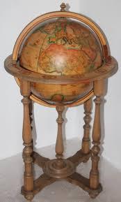 liquor table die besten 25 globe liquor cabinet ideen auf pinterest