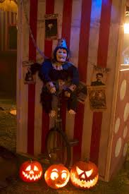 thrashing clown spirit halloween 27 best carnevil images on pinterest halloween carnival haunted