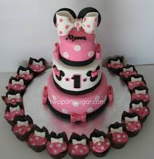 minnie mouse cake minnie mouse cake cupcakes reference from a few different flickr
