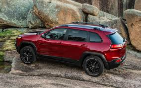 red jeep cherokee report 2014 jeep cherokee transmission problem causes delay