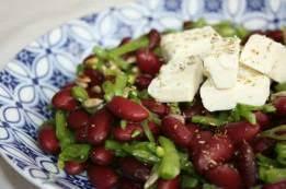 comment cuisiner des haricots rouges salades de haricots rouges maïs tomates et concombres