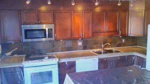comptoir de c駻amique cuisine 5 façons de transformer un comptoir de cuisine sans le remplacer