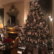 christmas at the carlyle picture of bemelman u0027s bar at the