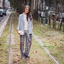 milan italy september 17 woman poses outside gucci fashion