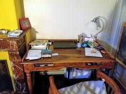 je ne suis pas au bureau un bureau minimaliste le labô
