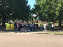 Flag Burning Protest Veterans In Paducah Protest City U0027s Confederate Flag Parade Ban