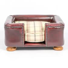 Square Chesterfield Sofa by Dog Chesterfields Dog Chesterfield Sofas