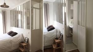 chambre et verriere interieure dans une chambre et sa salle de bains loft