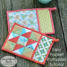 free patterns quilted potholders new super cute potholder tutorial christmas is coming potholders