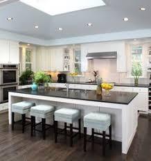 kitchen designs with islands 30 cozinhas escuras pedras brancas kitchen breakfast bars
