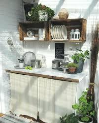 ustensile de cuisine vintage etagere deco cuisine cagette bois etagere dans une cuisine