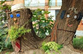 outside tree stump ideas how make a stump attractive by using