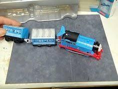 thomas train trackmaster snowy gordon change batteries