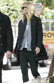 Vanity Fair Gwyneth A Rare Moment Together Chris Martin And Gwyneth Paltrow Go For A