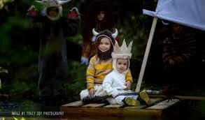 41 cute u0026 clever halloween costume ideas for siblings no diy
