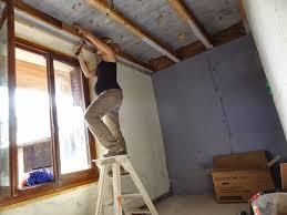 isolation plafond chambre aure coffrage fenêtre de la salle de bain et isolation