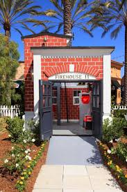 project houses 191 best project playhouse images on pinterest auction orange