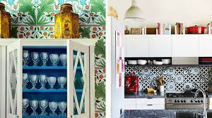decorer une cuisine décorer au dessus des armoires de cuisine les idées de ma maison