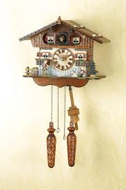 chalet quartz cuckoo clock swiss house by trenkle uhren cuckoo